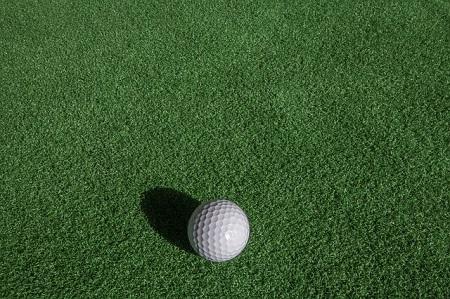 ベント芝とゴルフボール